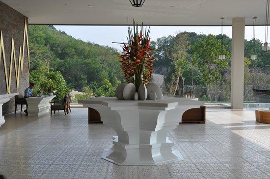Avista Hideaway Phuket Patong, MGallery by Sofitel: Captivating Lobby!