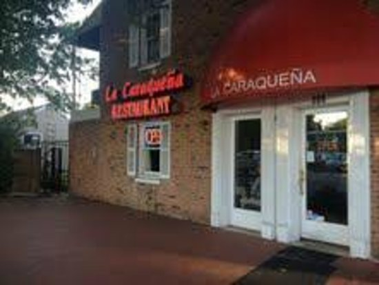 La Caraquena: View from out front