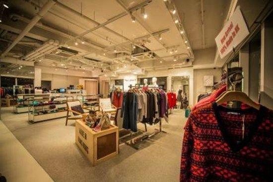 L plus H Knitwear Shop : Central Shop- Right across Luk Yue Tea House on Stanley Street Central