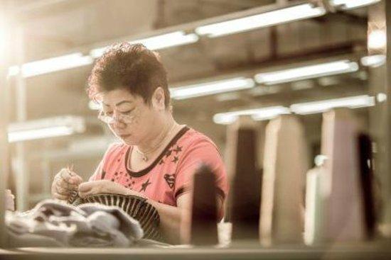 L plus H Knitwear Shop : Our stitching team leader - Madam Fong
