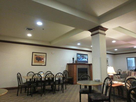 Comfort Inn & Suites Custer : Breakfast area