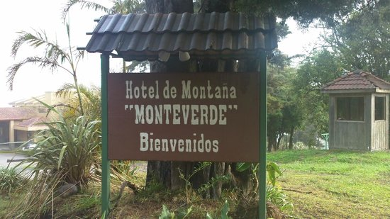 Hotel Montana Monteverde: hotel sign