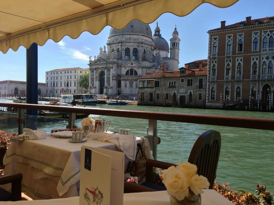 The Gritti Palace, A Luxury Collection Hotel : Breakfast on the Grand Canal
