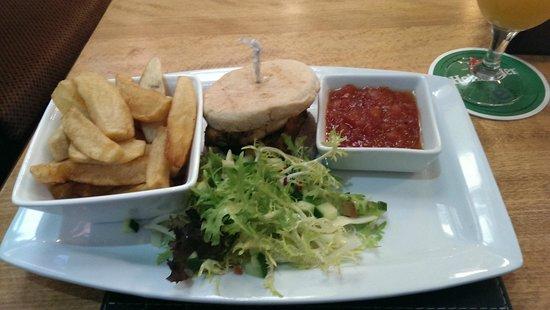 Conservatory Restaurant at Crown Hotel: the cajun chicken burger