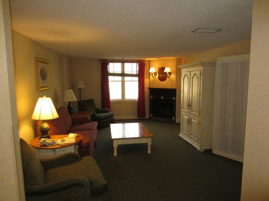 Brasstown Valley Resort & Spa: Suite living room
