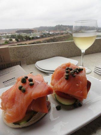 Brigantine Seafood Restaurant : Smoke salmon stack