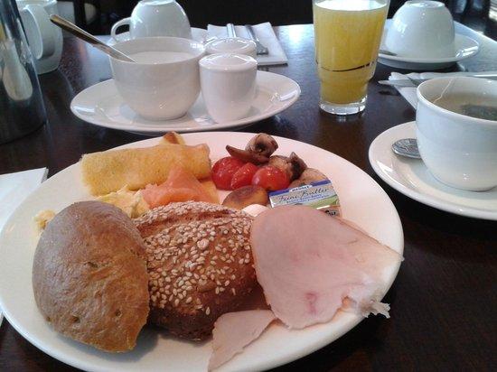 Hotel Santo: Petit déjeuner très complet