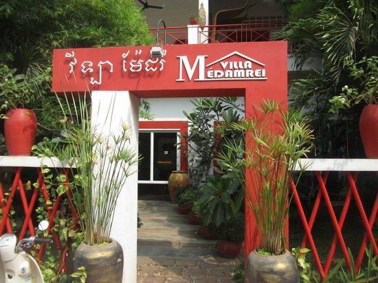 Villa Medamrei: 호텔 정문