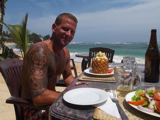 Tartaruga Hotel & Beach Restaurant: Chicken-Hawaii-Salad.....unbedingt bestellen!!!!!