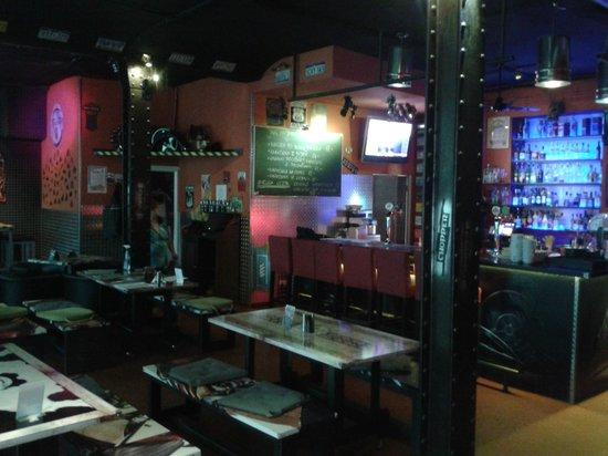 Chopper Hostel : Chopper Bar