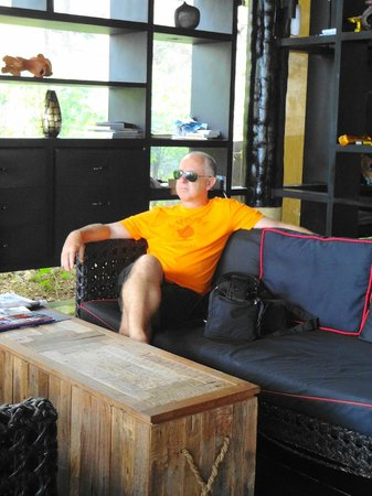 Mantra Samui Resort: Reception - spacious, no air conditioning. Toilets are quirky.