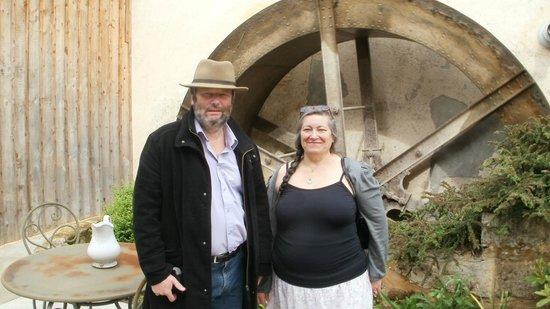 Le Moulin de Mitou: devant la roue...
