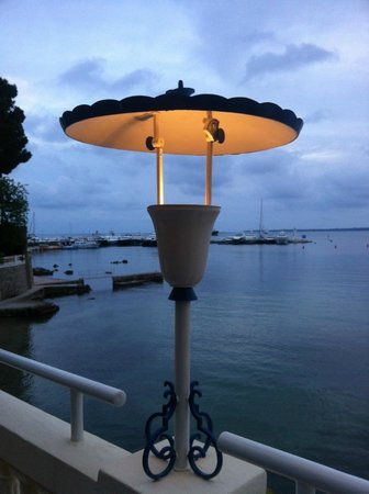 Hotel Belles Rives: Lights to die for
