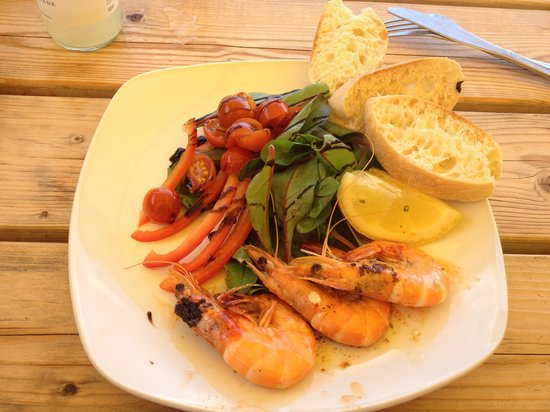 Britannia @ The Beach: Finger lickingly garlic crevettes
