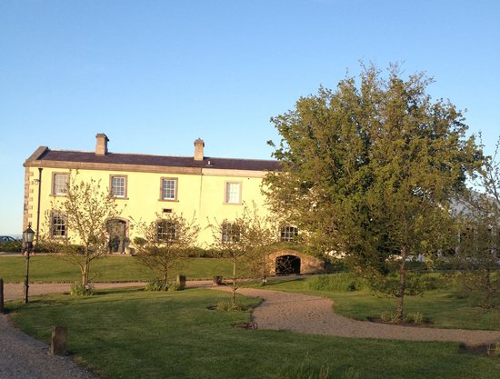 Clonabreany House: house