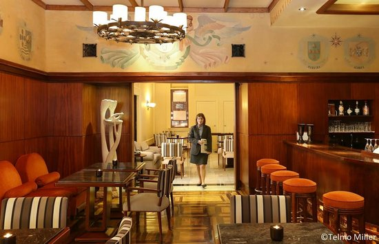 Britania Hotel: Bar / Living Room