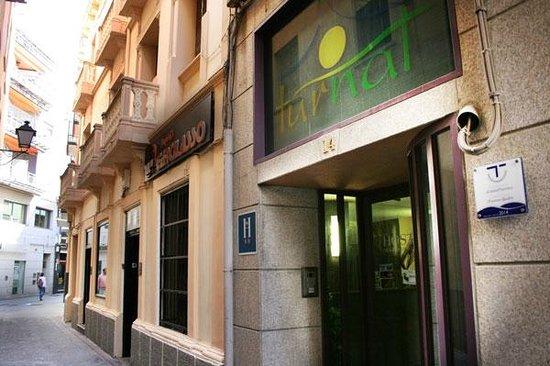 Alojamientos La Plaza: Entrada