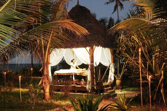 Dongwe Club: beach massage