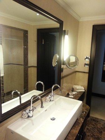 Bathroom foto van ameron parkhotel euskirchen for Euskirchen design hotel
