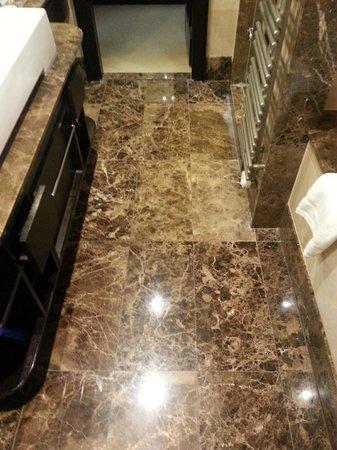 Ameron Parkhotel Euskirchen: Floor bathroom