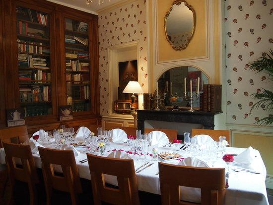 Chateau de la Touche : One of the dining rooms