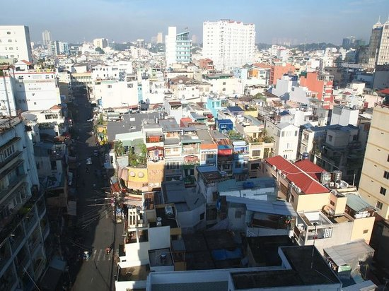Saigon Mini Hotel 5: View from 10th floor (breakfast room) facing west