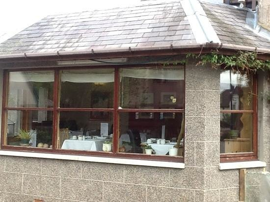 Ravenscraig Guest House: the breakfast room