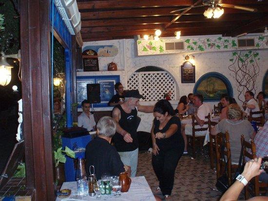 Taverna Andreas: Den gamle Andreas danser