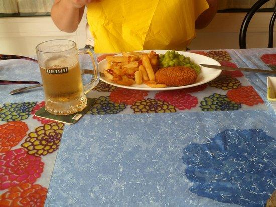 Fish cake, chips & peas