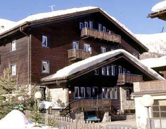 Nuova Villa : Esterno invernale