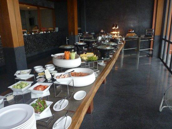 Hansar Samui Resort: Part of the breakfast buffet.