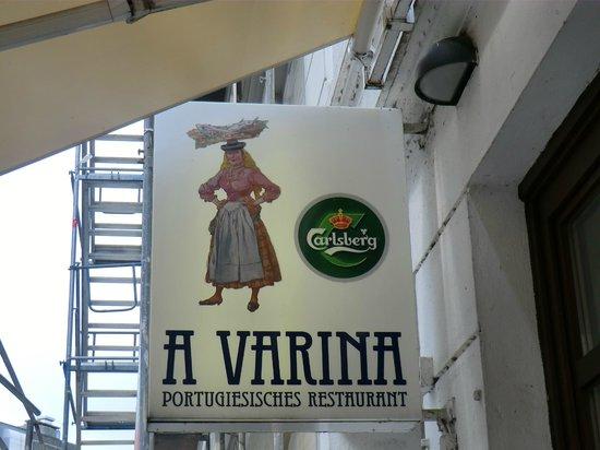 A Varina: Werbe-Transparent