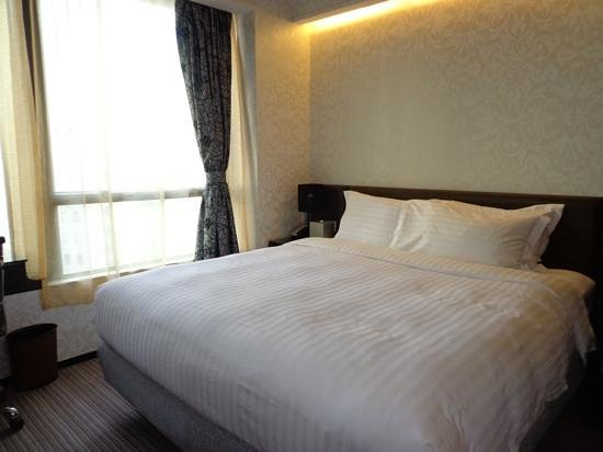Citadines Mercer Hong Kong: Bedroom
