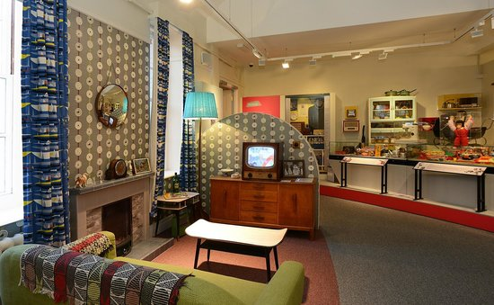 museum of norwich at the bridewell the 1950s living room - Living Room 1950s