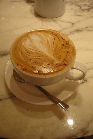 Browns Bar & Cafe: Cappuccino