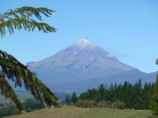 Mount Taranaki : Mt Egmont viewed from the North