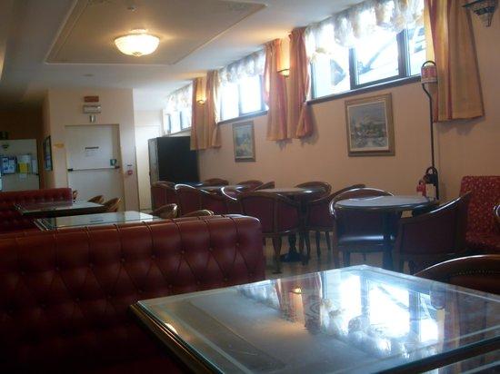 Grand Hotel Britannia Excelsior: bar