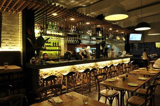 Pomodoro Restaurant Soi 11
