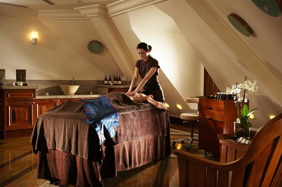The Spa at Pennyhill Park: Relaxing Treatment Rooms