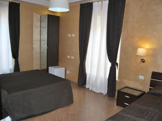 Inn Spagna Deluxe: the room for 3 people