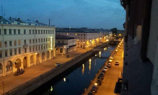 Hotel Grifon: Вид из номера на канал Грибоедова