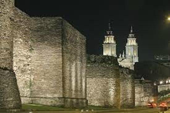 Hotel Sercotel Coto Real: Muralla y Catedral Lugo