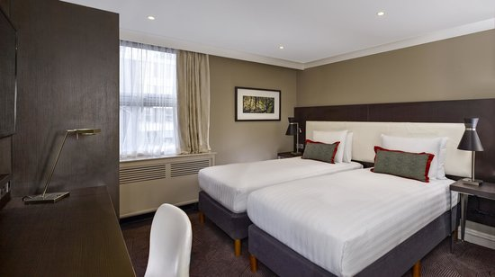 DoubleTree by Hilton London Ealing: Twin Guest Room