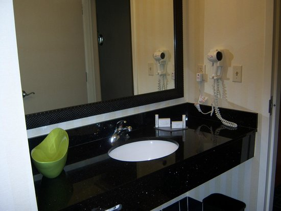 Fairfield Inn & Suites Palm Coast I-95: LargeVanity --Very Clean