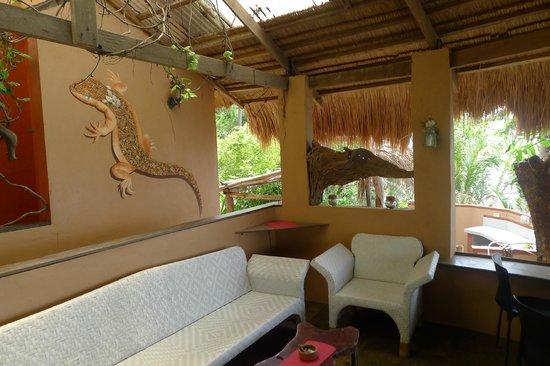 Tuko Beach Resort: Resort café