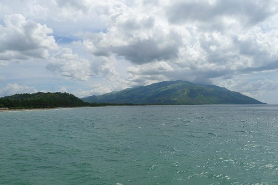 Tuko Beach Resort: View from the ferry when arriving to Abrade Ilog