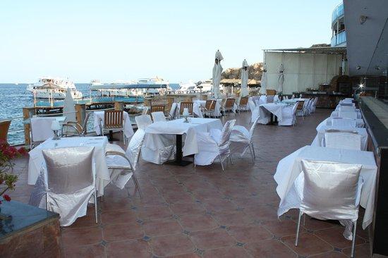 Lido Sharm Hotel: Outside the Dolphino Restaurant
