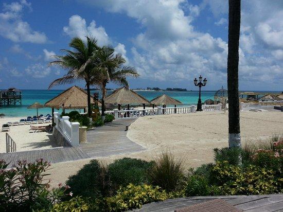 Sandals Royal Bahamian Spa Resort & Offshore Island: Beach area