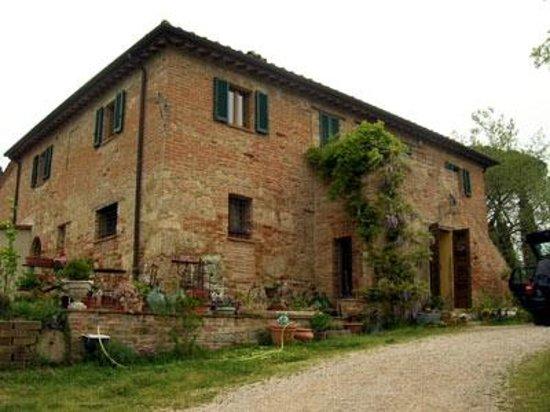 Al Giardino degli Etruschi: Vista dall'esterno