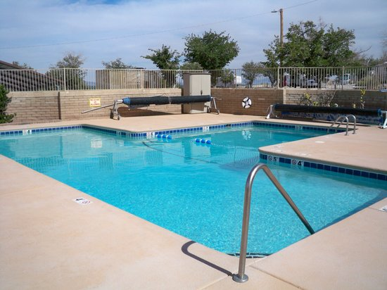 Las Cruces KOA: Pool